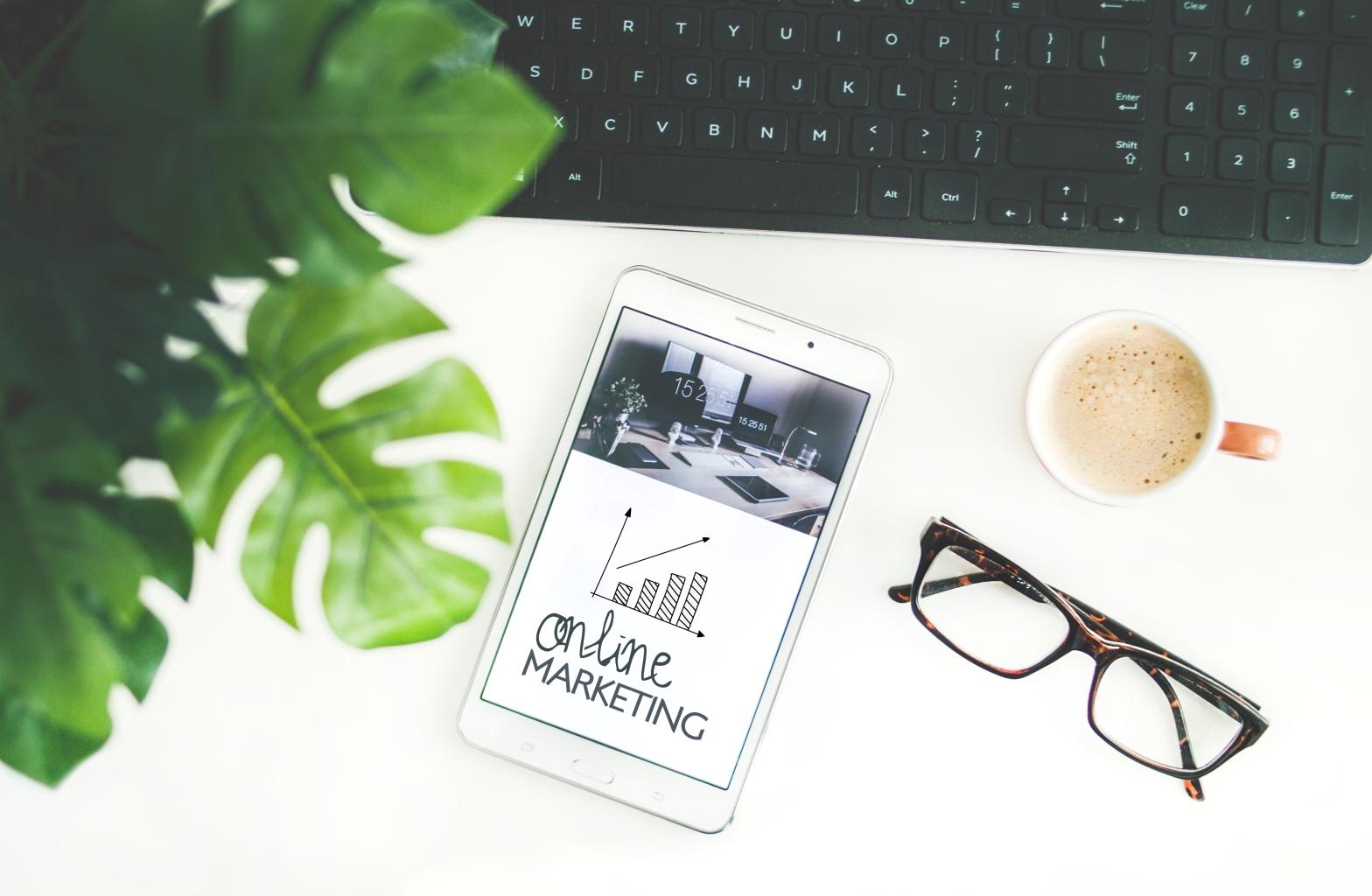 How does digital marketing work